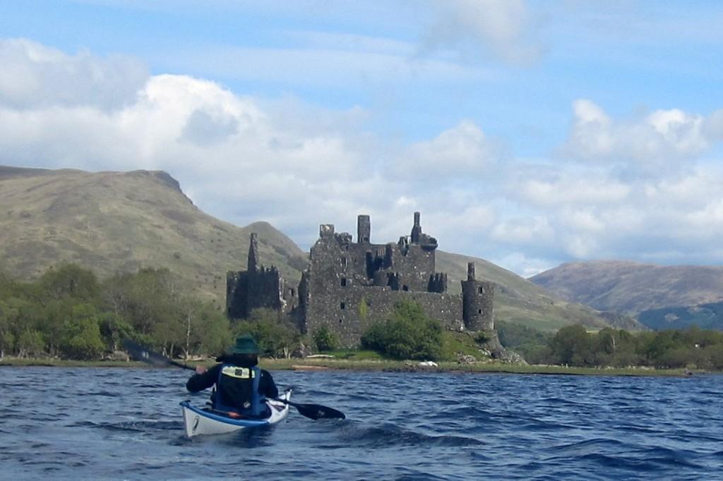 Hugh apracing Kilchurn Castle